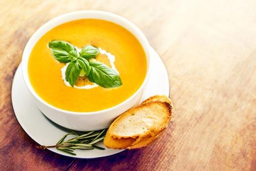 Suppe im Schüssel